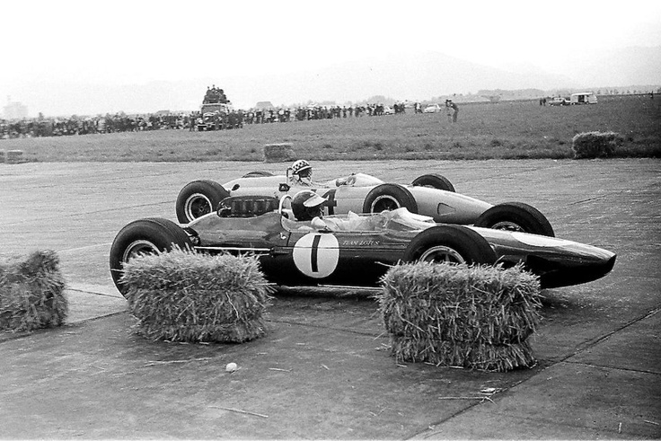 f1 Austrian GP - Zeltweg 1964-1- Jim Clark - Lotus 33 - (R)-14- Innes Ireland - BRP-BRM - (5º)