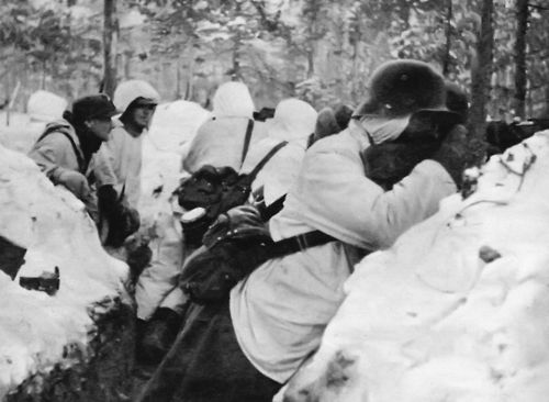 Finnish soldiers in trenches at Suomussalmi, December 1939. Winter War
