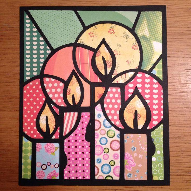 glas in lood kerstkaart van karton en papier.  Kleurplaat omgezet naar snijbestand met cameo uitgesneden en stukjes papier achter laten plakken.  (foto gevonden op FB: Karin Berning-Pijnappels)