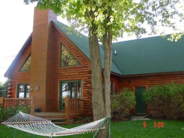 56 best ashely michigan images on pinterest michigan for Vacation log homes