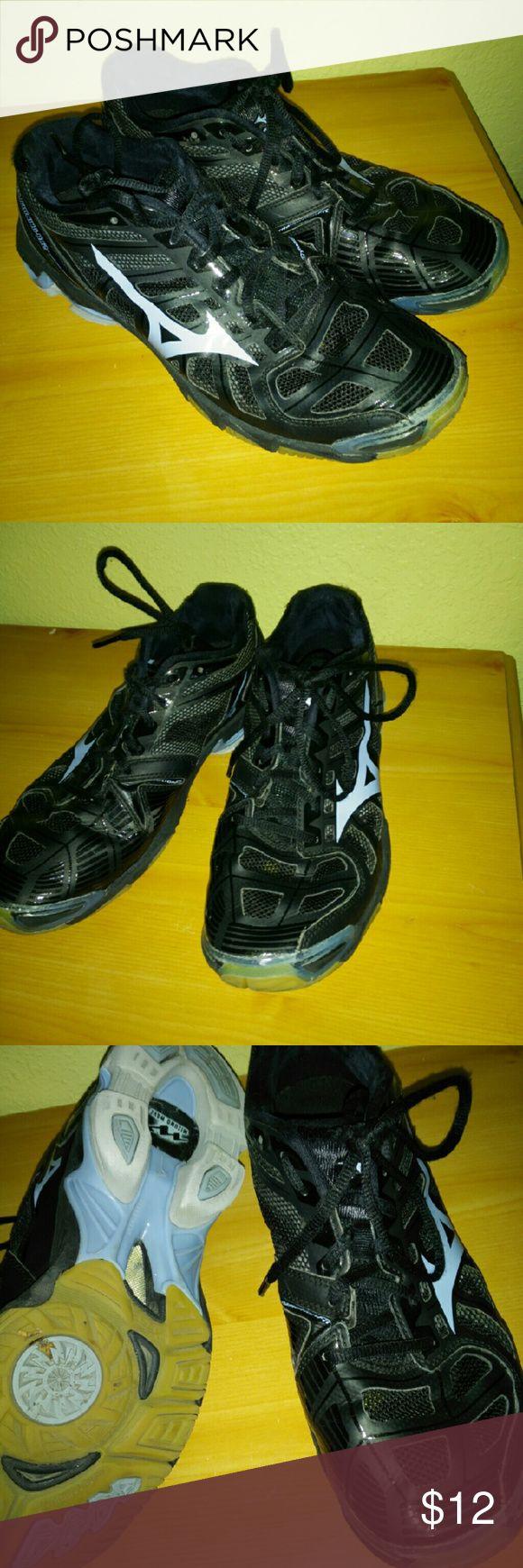 MIZUNO WAVE ladies sneakers MIZUNO.WAVE ladies sneakers Black and baby blue color Great shape! Size 10 Mizuno Shoes Sneakers