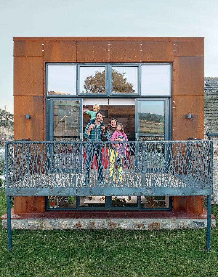 Además moderna actualización energía solar escocia balcón fachada de acero