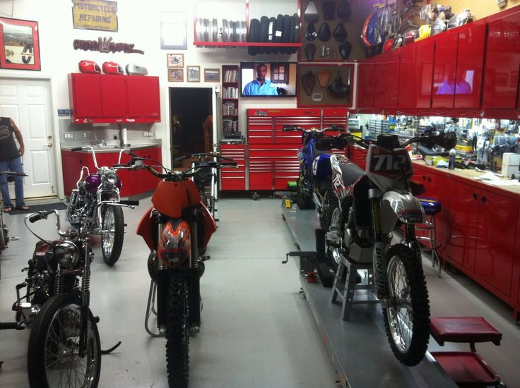 Garage man cave pinterest garage for Motorcycle garage plans