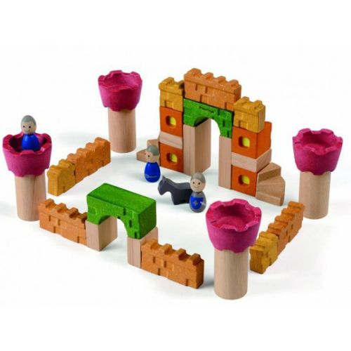 Explore your imaginative side with this thirty-five piece castle themed wooden block set.