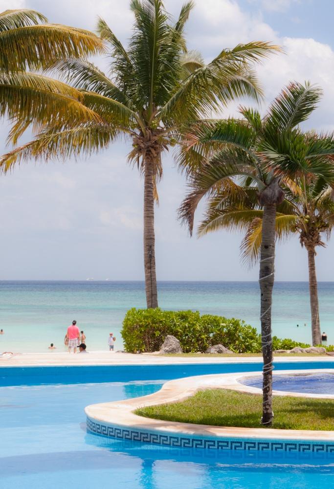 Oceanfront pool at Aventura restaurant. Mahekal Beach Resort in Playa del Carmen.