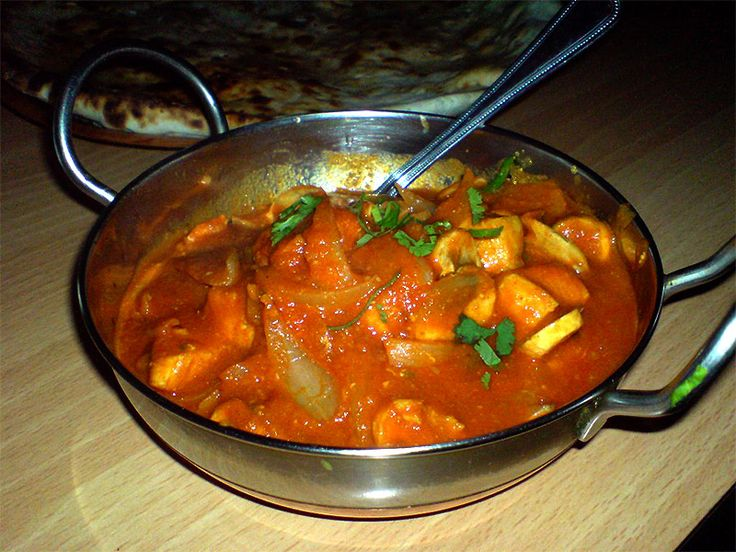 Balti de pollo, una receta con clara influencia hindú es la elegida para representar a Birmingham en nuestro blog.