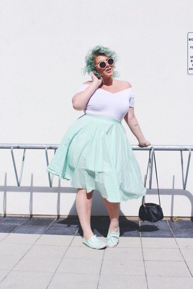 •chubby girl• (plus size ▽ curvy)