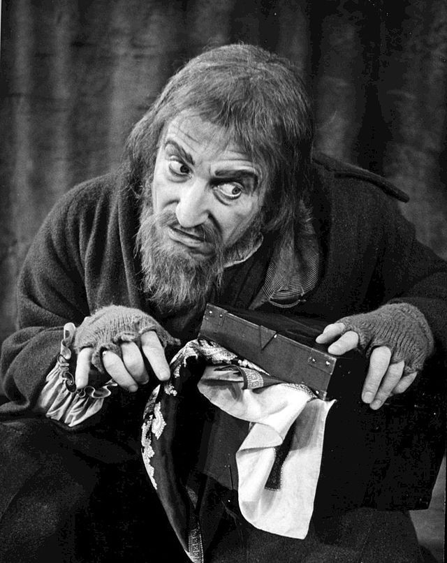 Clive Revill as Fagin Oliver 1963 Broadway