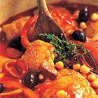 Stoofschotel met kip, chorizo en tomaat van Ainsley Harriott - recept - okoko recepten