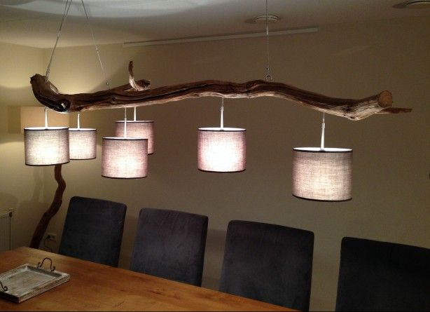 Plafonlamp 3 van oud verweerd eiken stam. met 6 lichten, in wit of grijze kap. voor meer info zie webshop op etsy. nl shop gbhnatureart.