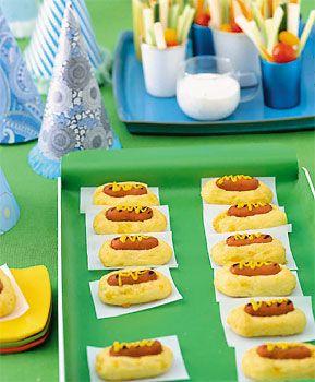 Mini hotdogs in cheddar buns