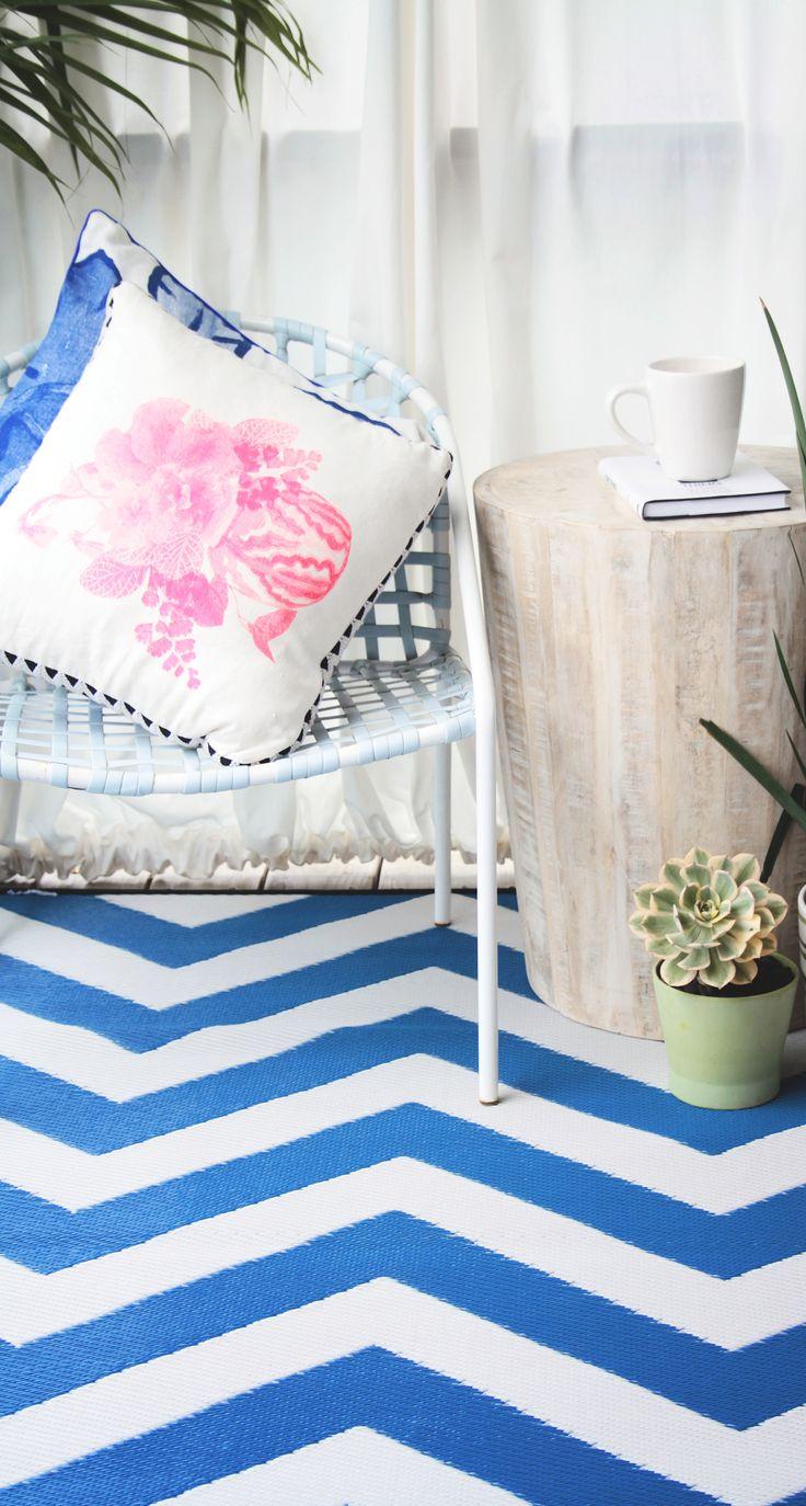 die besten 25 teppich blau wei ideen auf pinterest wei er teppich blauer wandteppich und. Black Bedroom Furniture Sets. Home Design Ideas