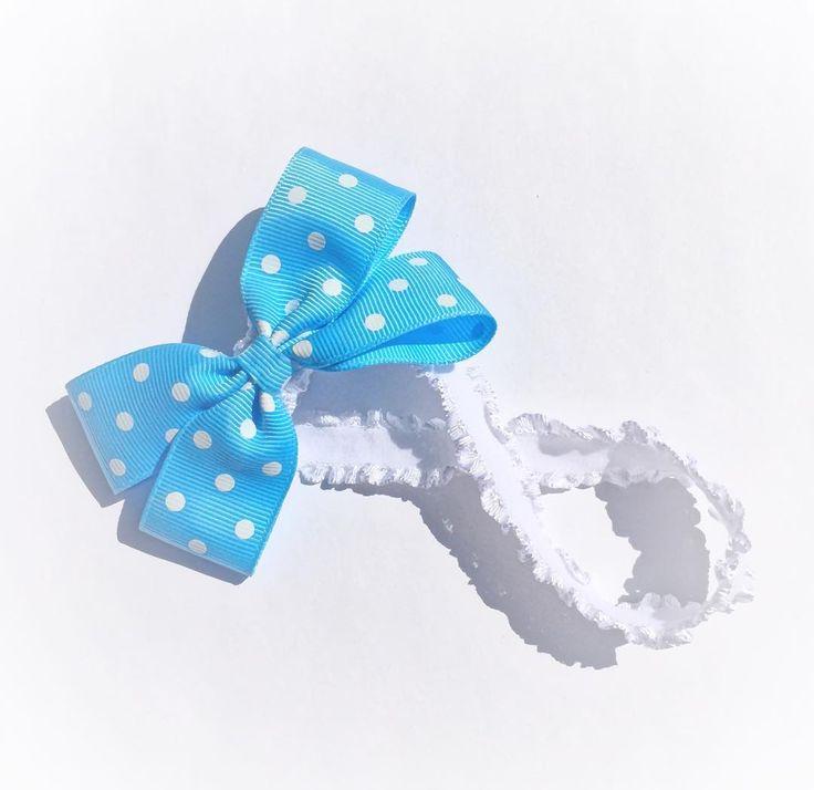 Blue Grosgrain Bow for newborn. Price C$7. Custom orders accepted. Please email for orders mycutepotato@gmail.com  #headbands #babyheadbands #babybows #baby #babygirl #newborn #canada #madeincanada #handmadewithlove #vancity #vancouver #handmadeincanada #polkadots #grosgrain #blue #bow #mycutepotato #toronto #torontofashion #vancouverfashion
