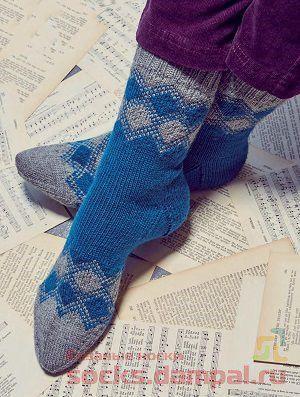 Вязаные носки «Classy squares»