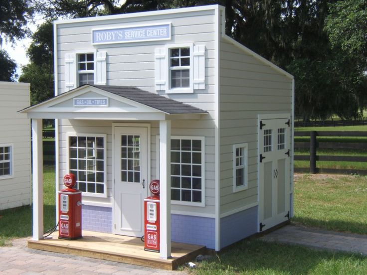 Lilliput play homes custom playhouses my little for Playhouse with garage plans