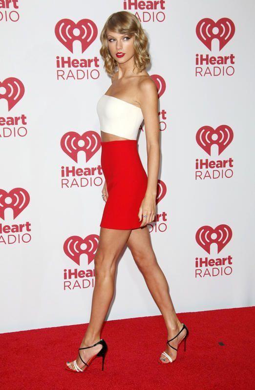 "Taylor Swift. 5'10"". (5'10.5"" ?). Pop Singer. #Taylor_Swift #Taylor #Swift"