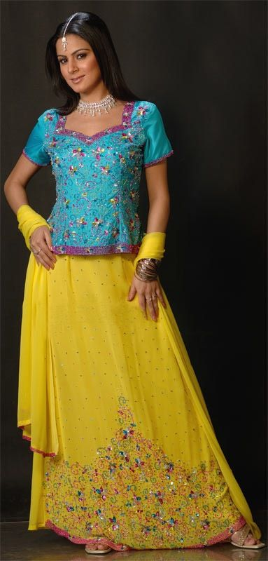 Mehndi Dresses Check out more desings at: http://www.mehndiequalshenna.com/