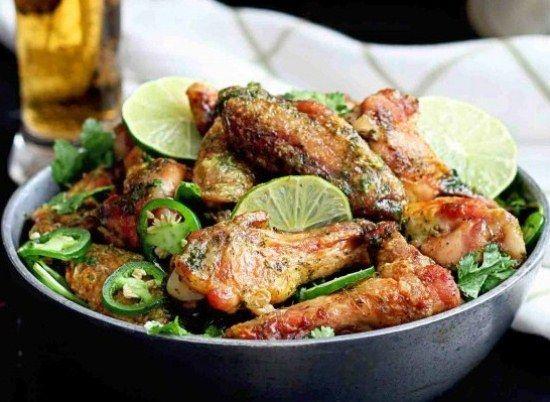 Как приготовить куриные крылышки в духовке: супер простой и вкусный рецепт курицы в пикантном маринаде с добавлением лайма и острого перца