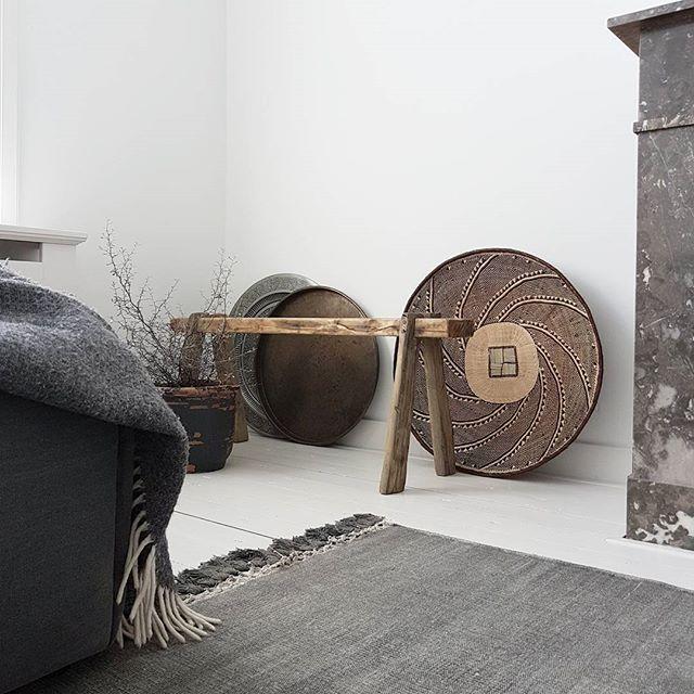 Een oud houten bankje vindt overal in huis wel een leuk plekje, toch? In onze webshop vind je verschillende modellen, handgemaakt van oud, natuurlijk verweerd hout. Geniet van het mooie nazomer weer 🌞 #BoxWorx #interieur #interior #interiordesign #interiordecor #wonen #home #living #homeliving #homestyling #homedecor #homedetails #meubels #furniture #bankje #halbankje #hout #oudhout #wood #oldwood #handgemaakt #handmade #webshop