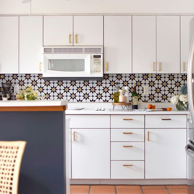 16 Creative Ways To Use Wallpaper In The Kitchen Wallpaper Backsplash Kitchen Kitchen Wallpaper Backsplash Wallpaper