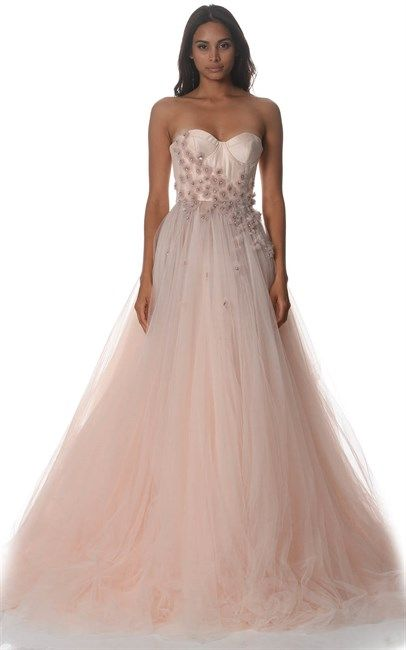 Feeling like Princess in this Fairy Floss Valentina Eva Couture Gown by the great Alex Perry. What a great designer and what a dress! Look at this tulle skirt, just beautiful. The original price for this dress was $16500 and is now down to $5000, so don't think twice!
