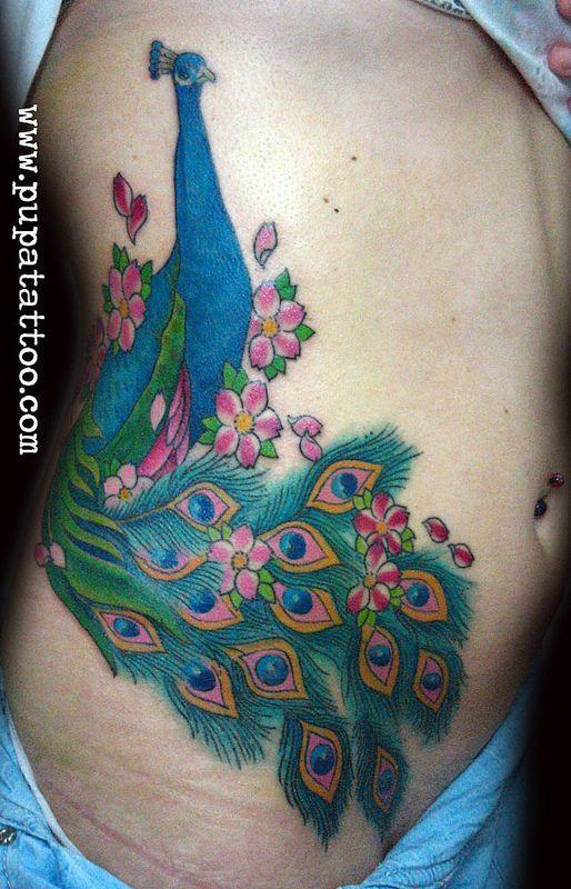 Tatuaje Pavo Real Pupa Tattoo Granada