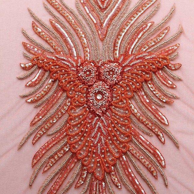 el işi işlemeli swarowzky aksesuarlar, taşlar, kuponlar.. ürün kodu:m436-turuncu #kaptan #kaptankumaş #kaptantextile #kumaş #aksesuar #swarowzky #fashion #fabric #love #kupon