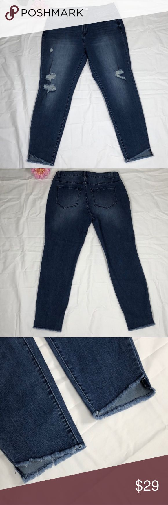 Kensie Jeans Kensie ripped jeans with frayed hems, excellent condition Kensie Jeans
