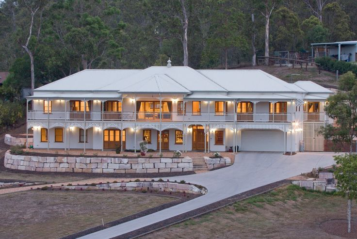 Best Heritage Style Home - 2014 Master Builders Award