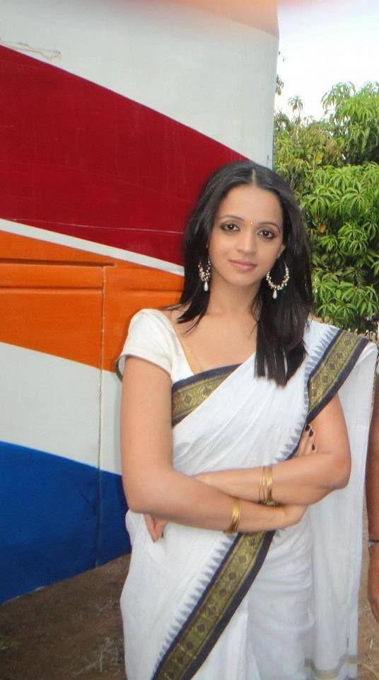 Bhavana menon in white saree veethi bhavana menon in white saree altavistaventures Image collections