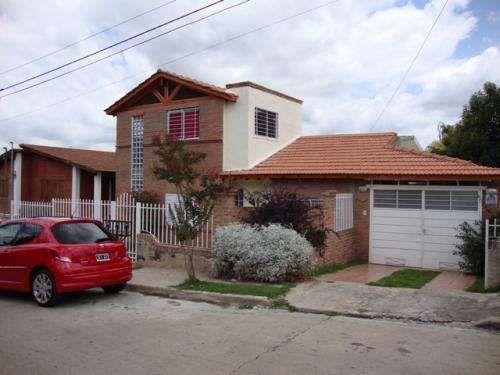 CASA EN CARLOS PAZ EN ALQUILER TEMPORARIO, CON PILETA, TEMPORADA 2015 Muy linda casa en Carlos Paz, en alquiler temporario, ubicada en barrio residencial Jose Muñoz ( las ... http://villa-carlos-paz.evisos.com.ar/casa-en-carlos-paz-en-alquiler-temporario-con-3-id-678854