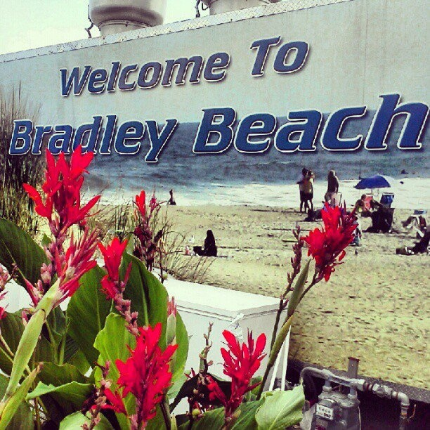 bradley beach single muslim girls Girls lacrosse off season sports  location only 5 blocks from the beach and the jersey shore lifestylesingle family with detached garage apartment on a 50 x 100 lot front house offers.