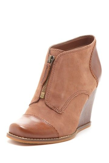 Suede/leather tan wedge