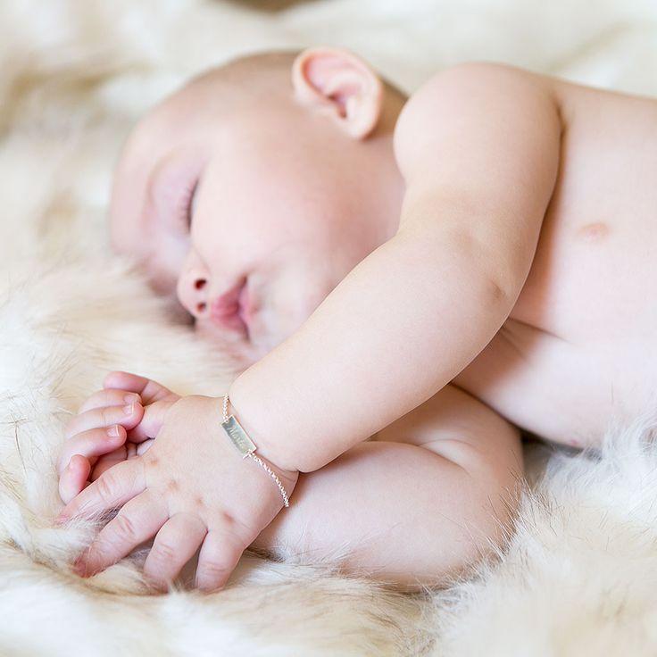 Joyas personalizadas para bebés. Regalos para el día del bautizo, joyas de plata grabadas con el nombre del bebé.