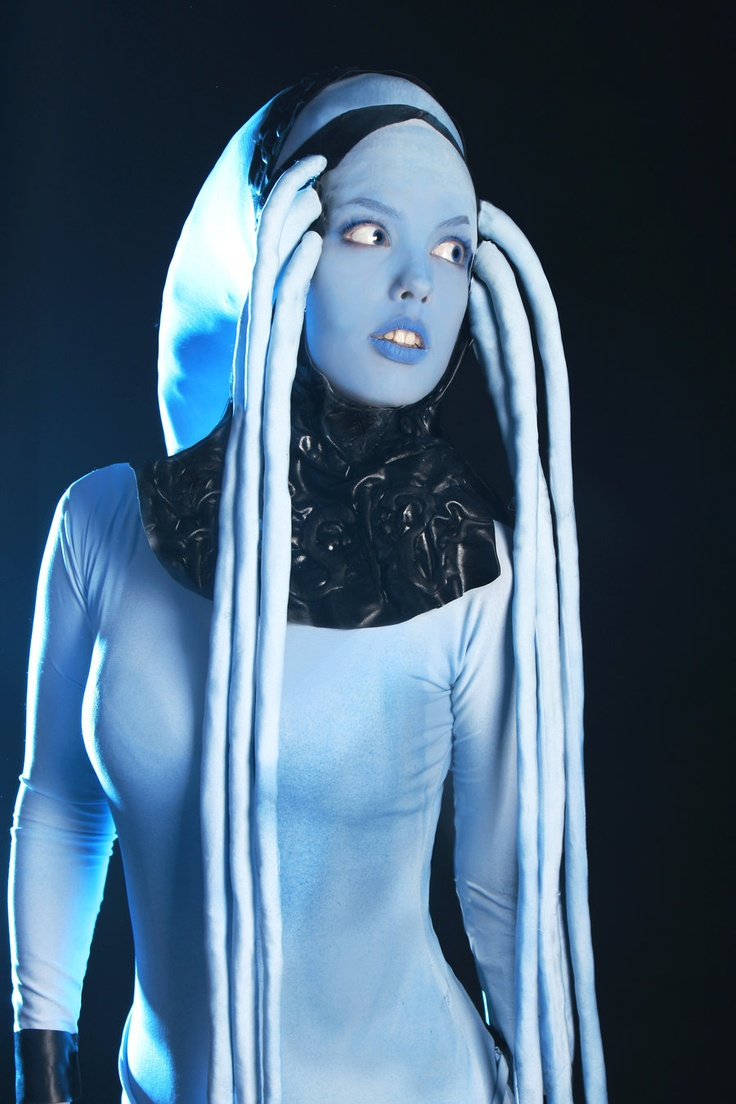 ***i would love to be this for Halloween more than anything, ever!!!!!!!!!**** Diva Plavalaguna cosplay~ Fifth Element by ~Freia-Raven on deviantART