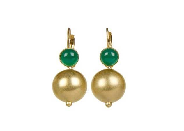Vergulde oorbellen met goudkraal en groene agaat van Sous le Sable :: Le Goût des Couleurs producten - Webshop