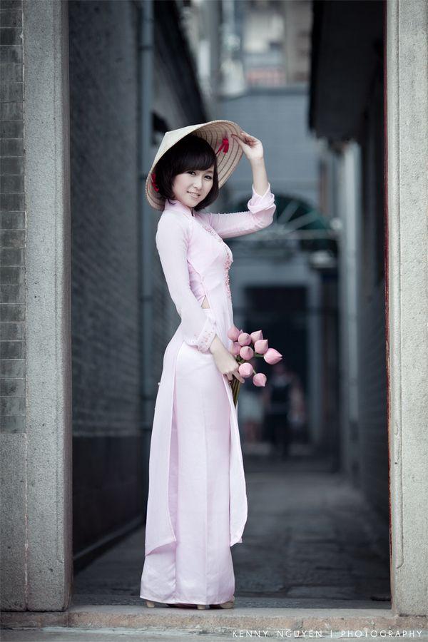 'Aozai' , Traditional dress of Vietnam
