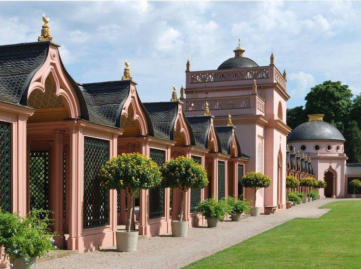 Gallery+in+the+Turkish+garden,+Mosque+in+the+Castle+garden+of+Schwetzingen, Baden-Württemberg,+Germany.