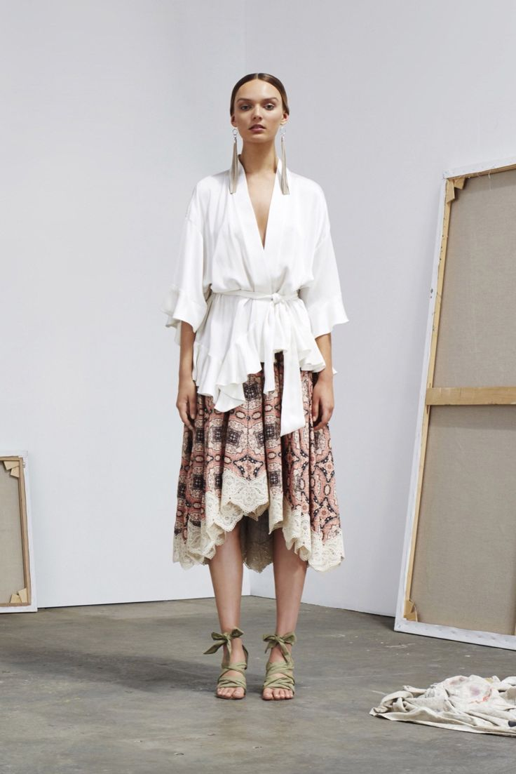 http://www.vogue.com/fashion-shows/resort-2016/zimmermann/slideshow/collection