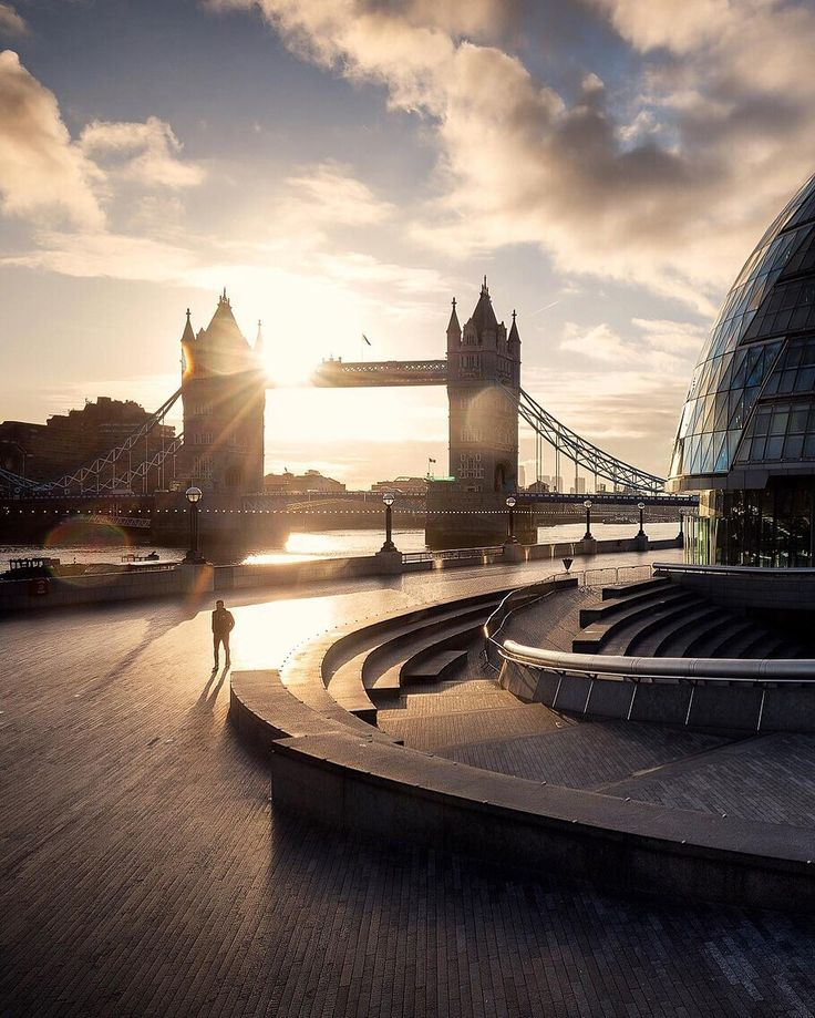 Good morning, #London! @bengreenphotography has done it again.