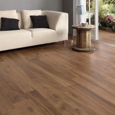 M s de 25 ideas incre bles sobre pisos imitacion madera en - Como colocar suelo porcelanico ...