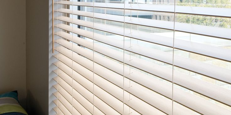 how to clean faux wood blinds in bathtub