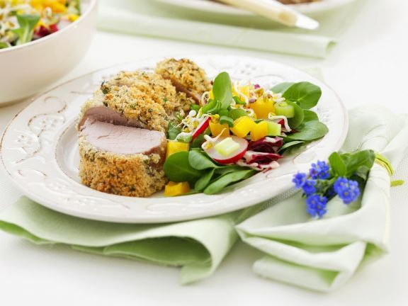 Schweinefilet mit Kräuterkruste ist ein Rezept mit frischen Zutaten aus der Kategorie Schwein. Probieren Sie dieses und weitere Rezepte von EAT SMARTER!
