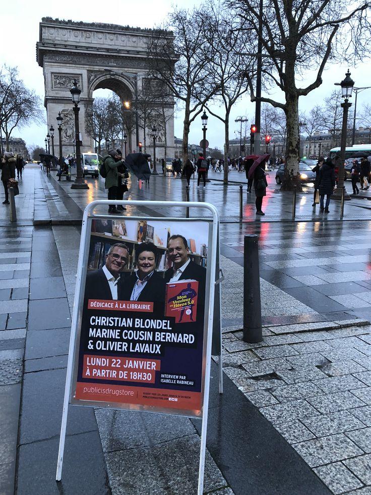 Sur les Champs-Elysées Paris