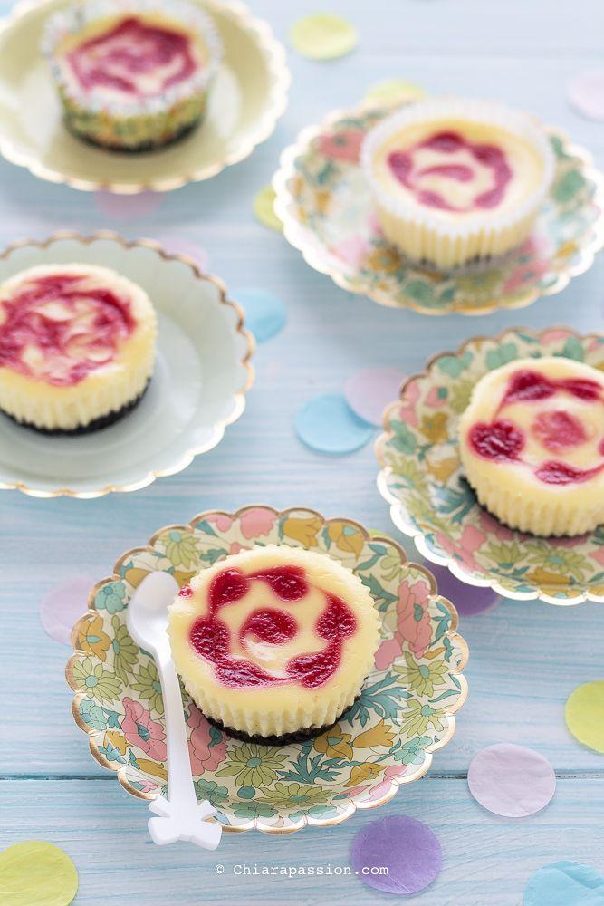 Mini cheesecake marmorizzate ai lamponi. Ricetta Martha Stewart