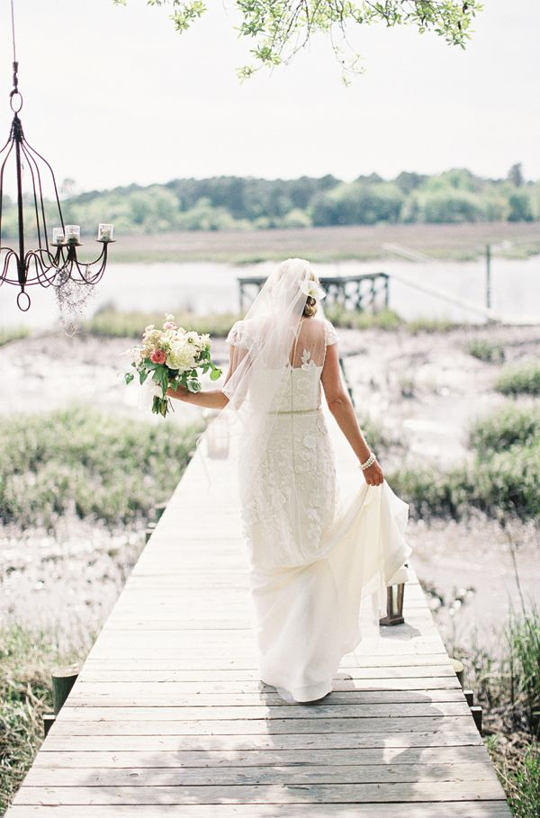 gorgeous lace gown + veil | Virgil Bunao #wedding
