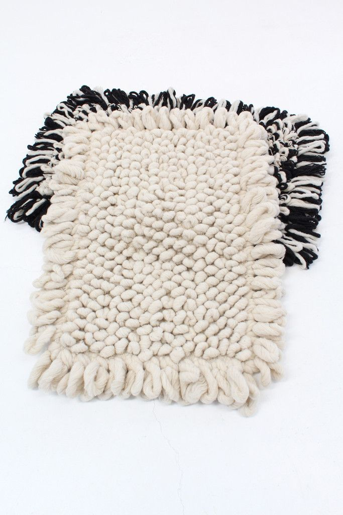 how to clean a wool rug with pet stains