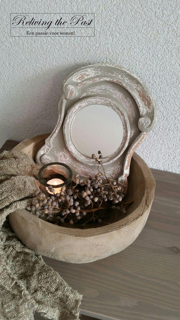 Ossenoog in een mooie sobere houten schaal. Eenvoud siert! ♡
