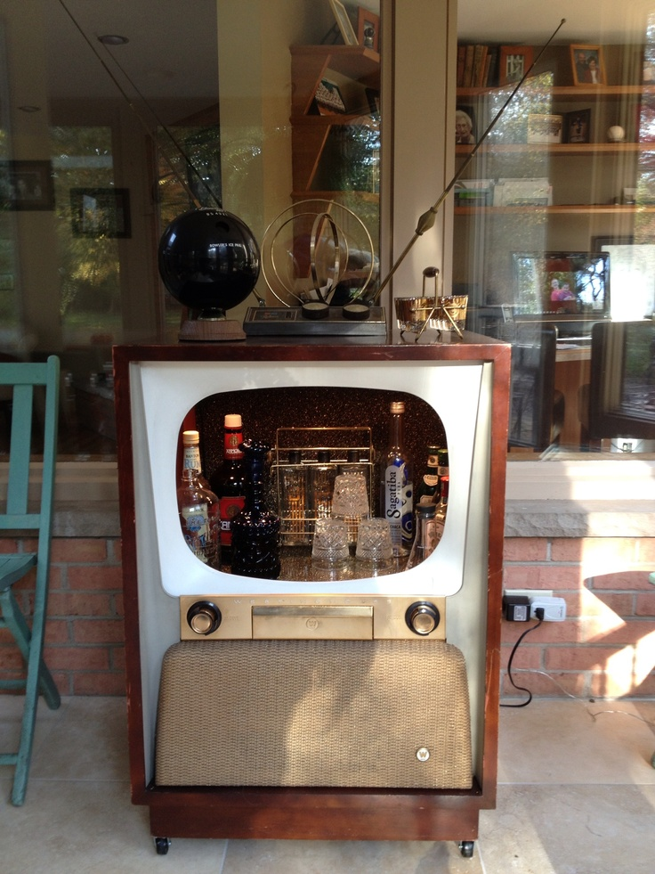 I Was Thinking G Trailer, But Would Be Super Cool At Home Too. Vintage Bar, Bar  Ideas ...