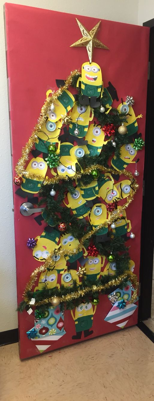 Christmas minion door decoration Speech Pinterest